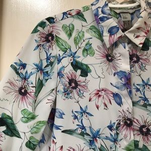 H&M White, Blue, Pink, Green Floral Button Down